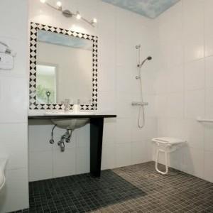Amenagement salle de bain 3d salle de bain id es de for Amenagement salle de bain handicape