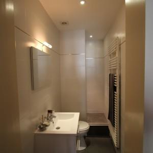 Amenager salle de bain 8m2 salle de bain id es de for Salle de bain 7m2 en longueur