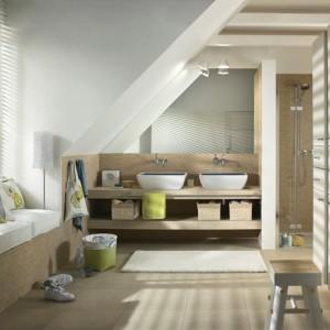 Amenager salle de bain sous pente salle de bain id es for Amenager une salle de bain sous comble