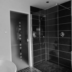 Id e salle de bain douche a l 39 italienne salle de bain for Idee salle de bain 9m2