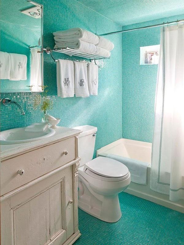 Amenagement salle de bain petit espace avec baignoire for Idee deco salle de bain petit espace
