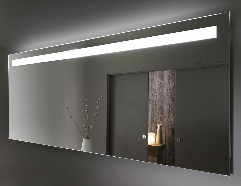 bandeau lumineux salle de bain prise salle de bain