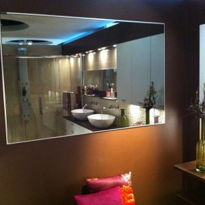miroir salle de bain sur mesure leroy merlin salle de bain id es de d coration de maison. Black Bedroom Furniture Sets. Home Design Ideas