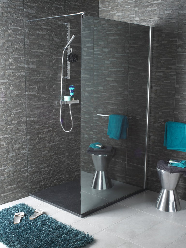 petite salle de bain avec douche maison design. Black Bedroom Furniture Sets. Home Design Ideas
