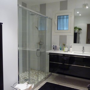Modele salle de bains avec douche italienne salle de for Modeles de salle de bains avec douche