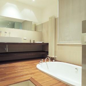 Parquet bambou massif salle de bain salle de bain for Pose parquet flottant salle de bain