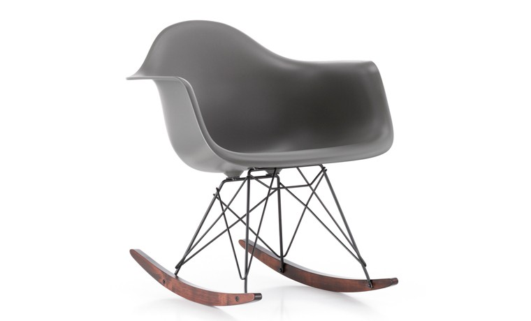 Chaise a bascule rar vitra chaise id es de d coration for Chaise a bascule blanche