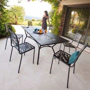 Table et chaises de cuisine contemporaine chaise id es for Soldes decoration jardin