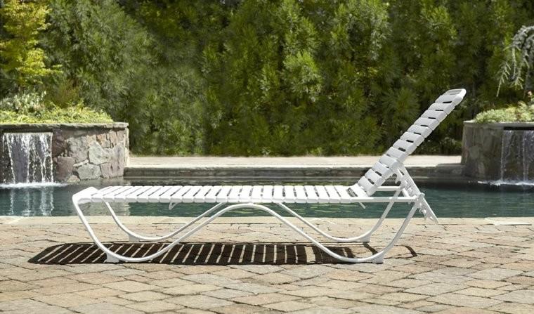 Chaise longue blanc pvc chaise id es de d coration de for Chaise longue blanc pvc