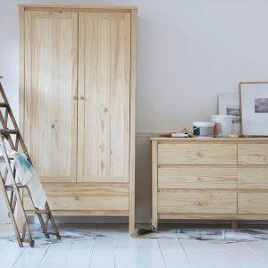 Armoire pin massif brut a peindre armoire id es de for Peindre une armoire en pin