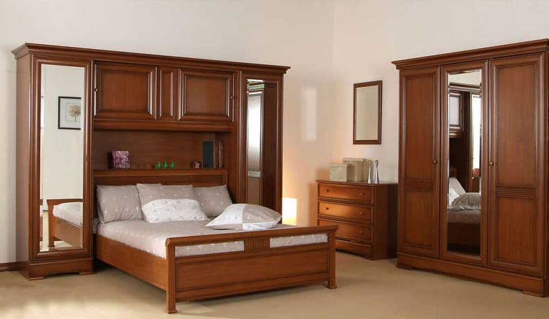 armoire chambre coucher bois massif with chambre adulte en bois massif. Black Bedroom Furniture Sets. Home Design Ideas