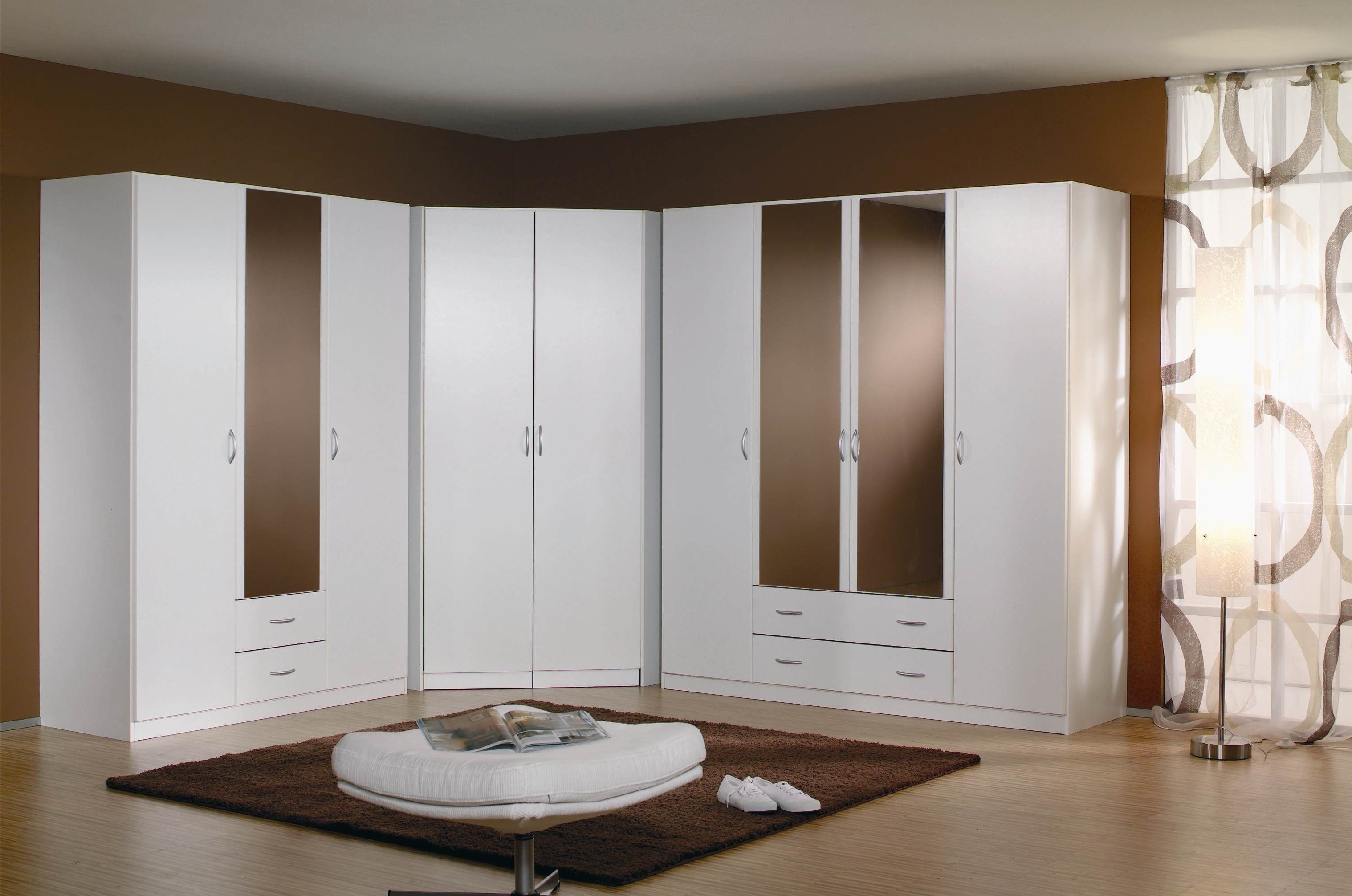 armoire d angle pour chambre armoire id es de. Black Bedroom Furniture Sets. Home Design Ideas