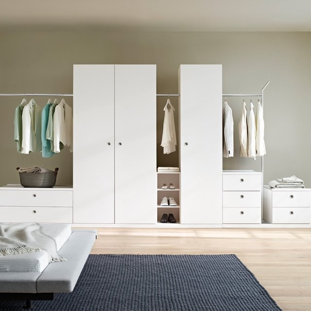 grande armoire pour petite chambre armoire id es de. Black Bedroom Furniture Sets. Home Design Ideas