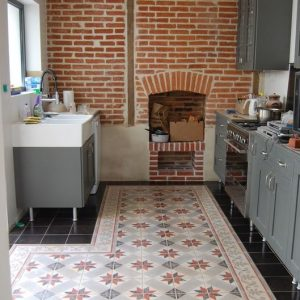 Carrelage ancien pour cuisine carrelage id es de for Carrelage mural cuisine style ancien