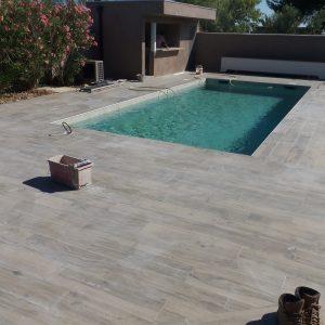 Carrelage pour piscine interieur carrelage id es de for Carrelage piscine antiderapant