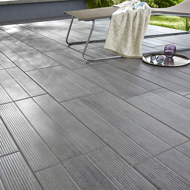 Carrelage exterieur gris imitation parquet carrelage for Parquet imitation carrelage gris