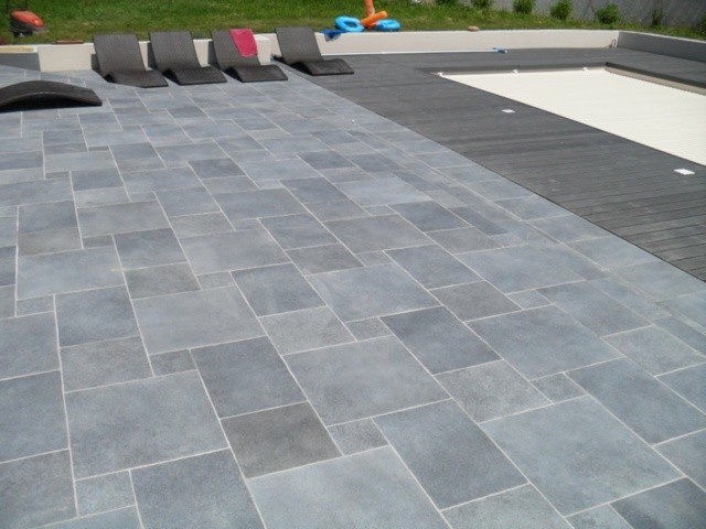 Perfect Affordable Affordable Carrelage Exterieur Piscine Antidrapant With  Antidrapant Extrieur With Nettoyer Carrelage Antidrapant With Comment  Nettoyer ...