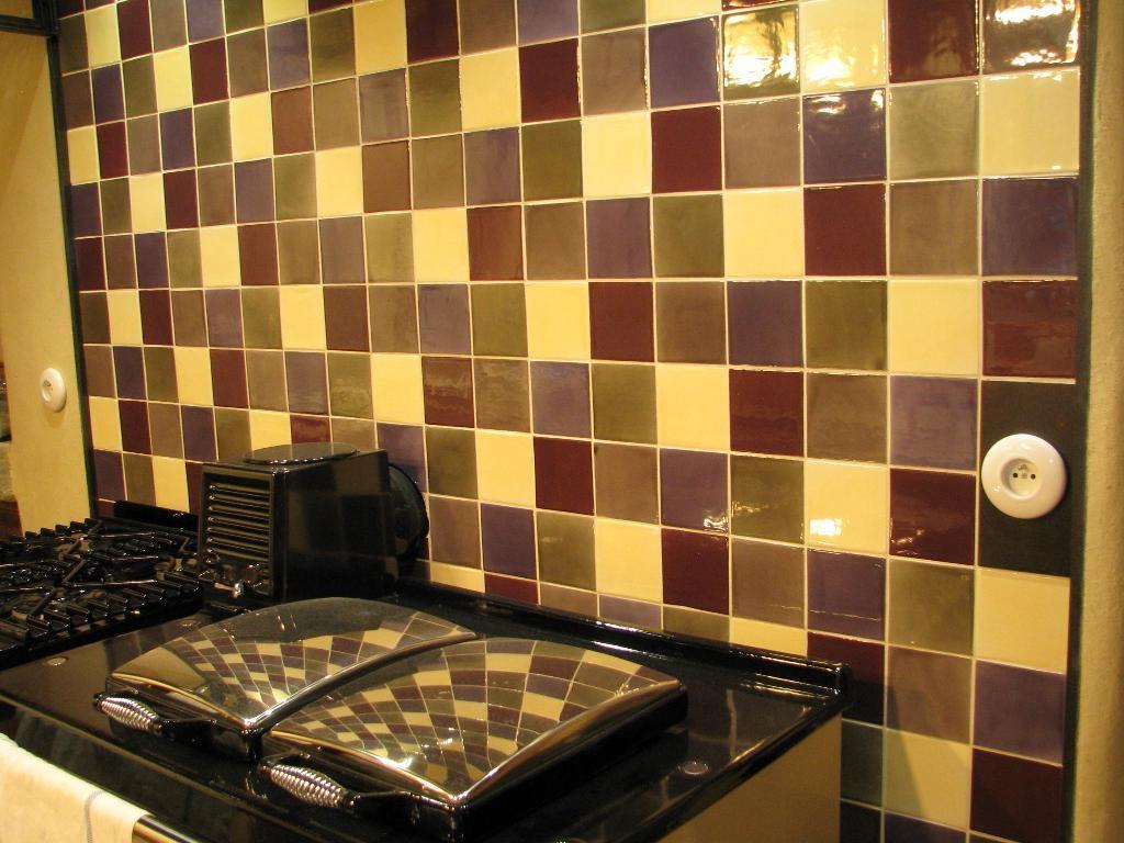Carrelage mural cuisine 10x10 blanc carrelage id es de for Carrelage cuisine 10x10