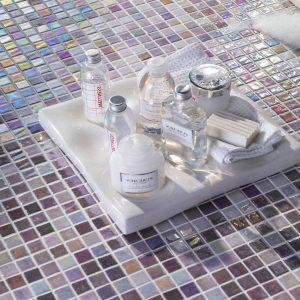 Carrelage verre mural cuisine carrelage id es de for Carrelage verre mural