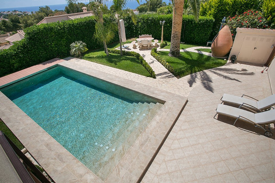 Carrelage Exterieur Piscine Cheap Best Piscine Carrelage Ou Liner