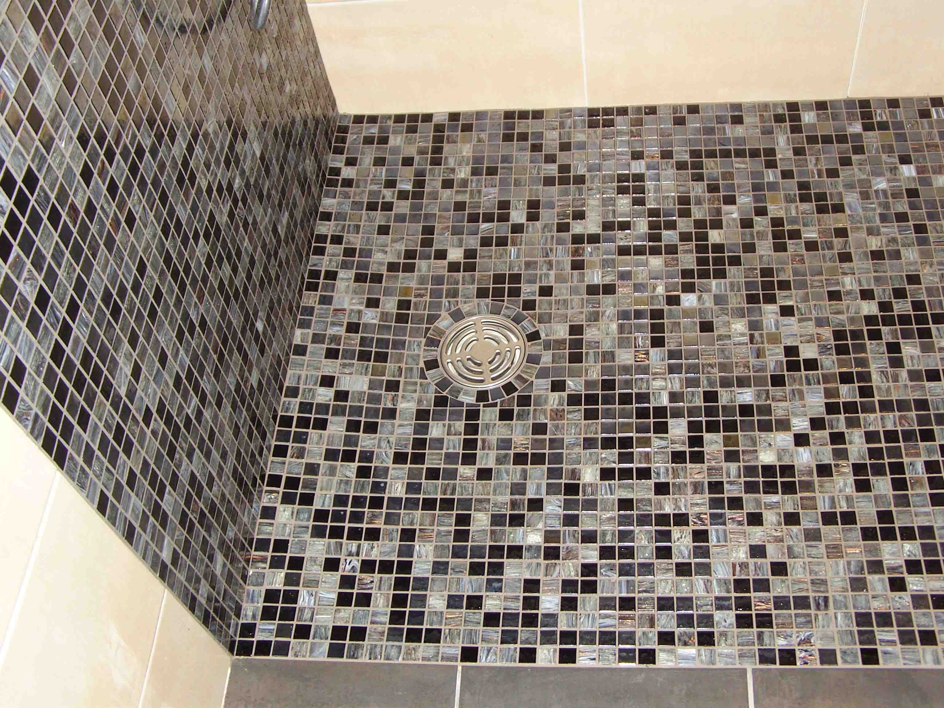 Carrelage sol douche mosaique carrelage id es de for Mosaique carrelage