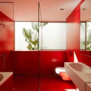 Carrelage rouge pour salle de bain carrelage id es de for Carrelage salle de bain rouge