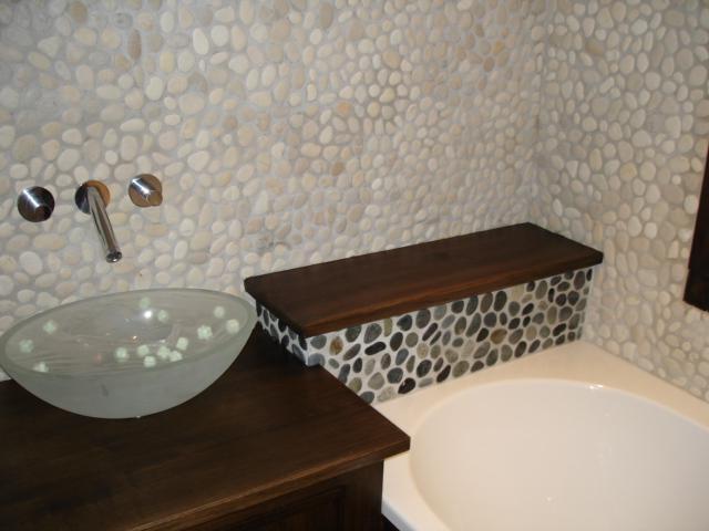 carrelage sol salle de bain galet carrelage id es de d coration de maison 6adw8ovbr8. Black Bedroom Furniture Sets. Home Design Ideas