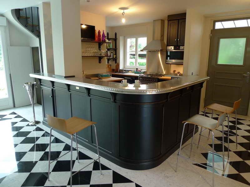 plinthe carrelage cuisine professionnelle carrelage. Black Bedroom Furniture Sets. Home Design Ideas