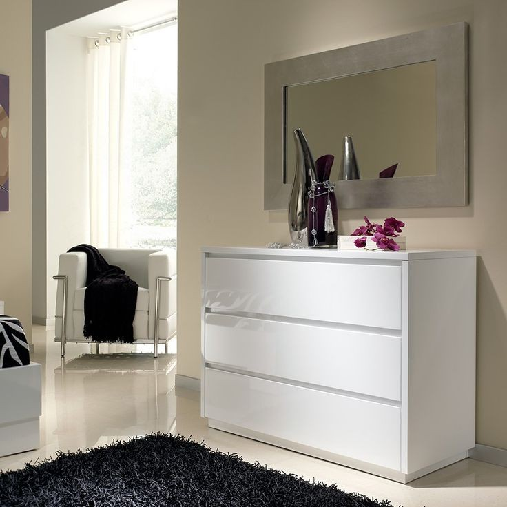 Commode blanche chambre adulte chambre id es de for Decoration maison blanche