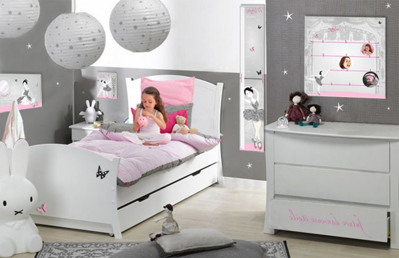 Excellent view images dcoration de chambre pour fille de for Decoration chambre fille 9 ans