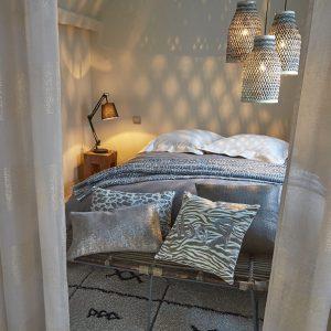 luminaire chambre adulte conforama chambre id es de d coration de maison dzn5zjplxz. Black Bedroom Furniture Sets. Home Design Ideas