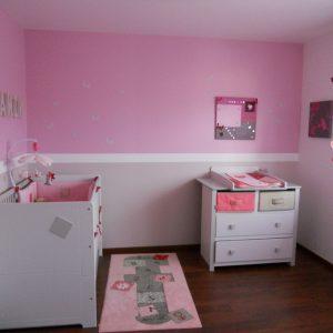 Couleur peinture pour chambre b b fille chambre id es for Peinture murale pour chambre bebe