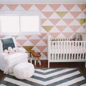 couleur pour une chambre de bebe chambre id es de d coration de maison rwnqgm7d8m. Black Bedroom Furniture Sets. Home Design Ideas