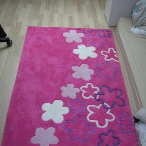 tapis pour chambre de bebe fille chambre id es de d coration de maison pklqzyddra. Black Bedroom Furniture Sets. Home Design Ideas