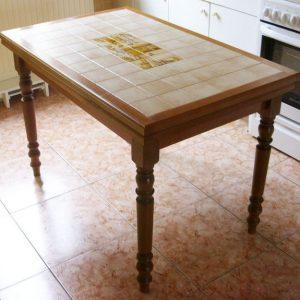 table de cuisine carrelee blanche cuisine id es de d coration de maison l2b1onqlz5. Black Bedroom Furniture Sets. Home Design Ideas