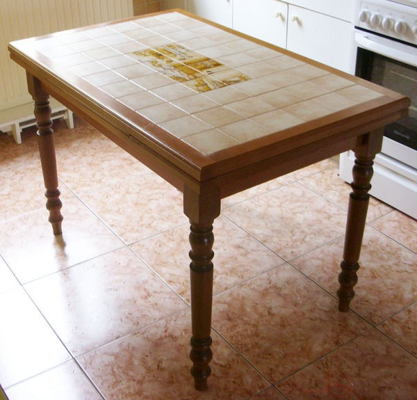 Table De Cuisine Carrelée
