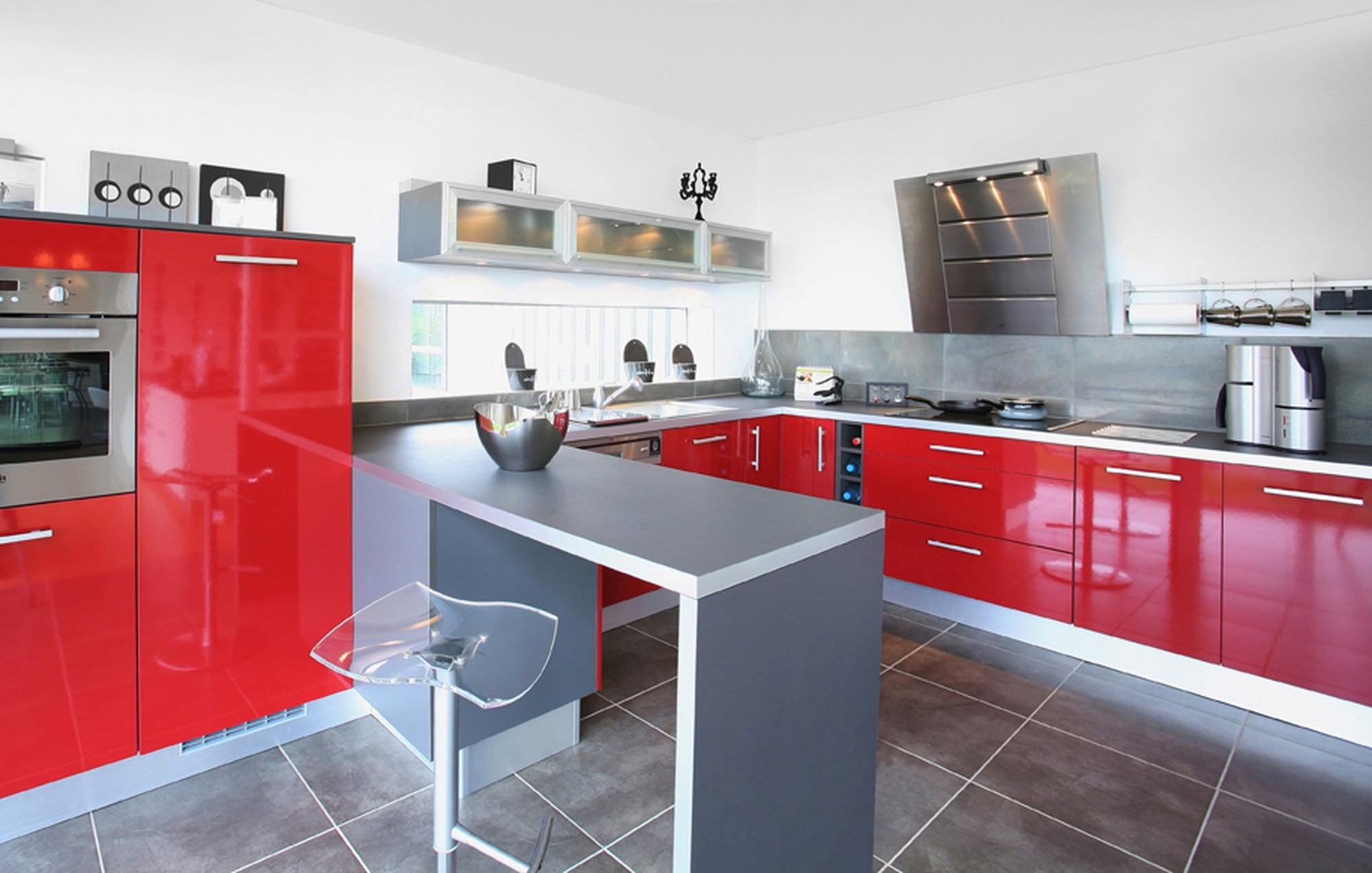 couleur cuisine moderne rouge cuisine id es de. Black Bedroom Furniture Sets. Home Design Ideas