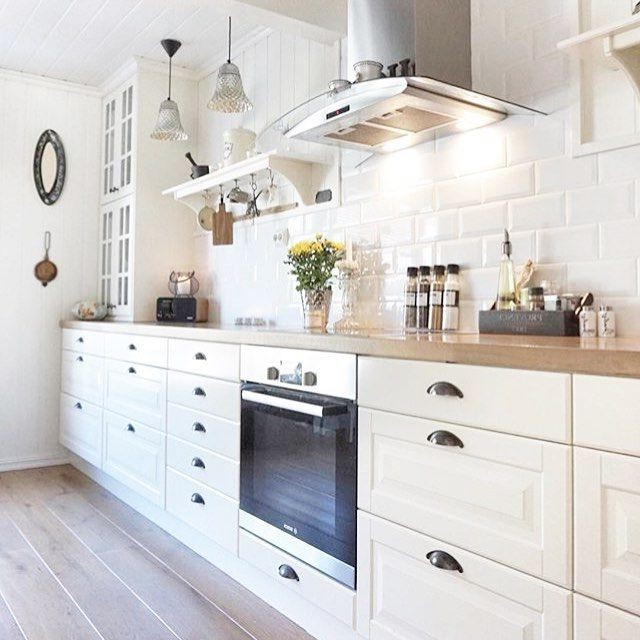 Deco cuisine carrelage metro cuisine id es de for Carrelage deco cuisine