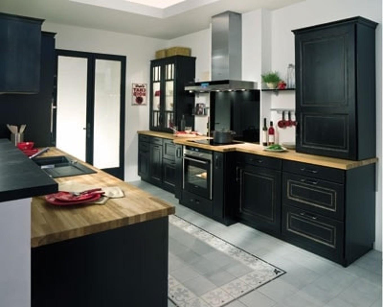 Decorer une cuisine noire cuisine id es de d coration for Decorer une cuisine
