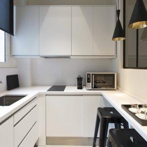Petite cuisine equipee en l cuisine id es de for Cuisine equipee 4m2