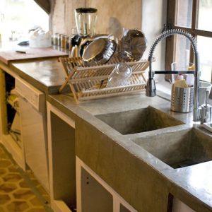 cuisine en beton mineral cuisine id es de d coration de maison yvbrmqvd26. Black Bedroom Furniture Sets. Home Design Ideas