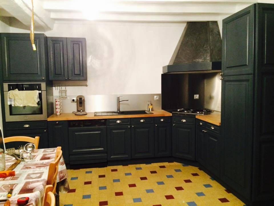 meuble cuisine rustique repeint cuisine id es de d coration de maison 81bknapdb4. Black Bedroom Furniture Sets. Home Design Ideas