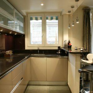 cuisine avec evier d 39 angle cuisine id es de d coration de maison olddpyxdna. Black Bedroom Furniture Sets. Home Design Ideas