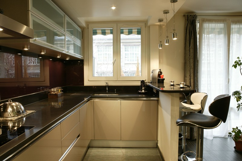 Petite cuisine avec evier d 39 angle cuisine id es de for Evier cuisine petite largeur