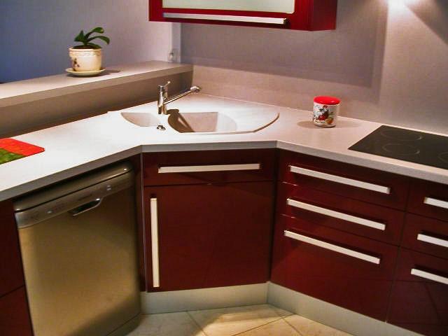 Evier de cuisine d angle maison design - Petite cuisine d angle ...