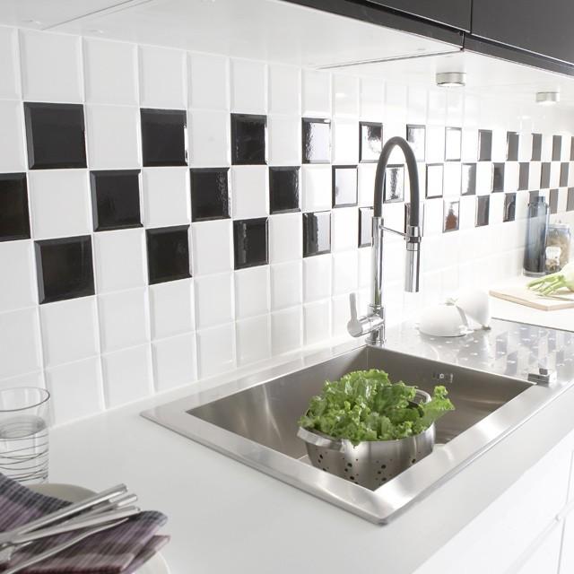 Carrelage cuisine 10x10 cuisine id es de d coration de for Carrelage blanc 10x10