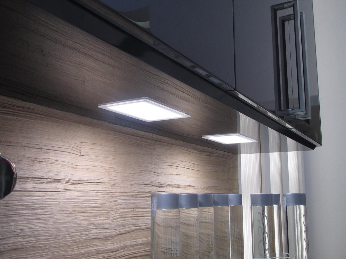 eclairage led meubles de cuisine cuisine id es de. Black Bedroom Furniture Sets. Home Design Ideas