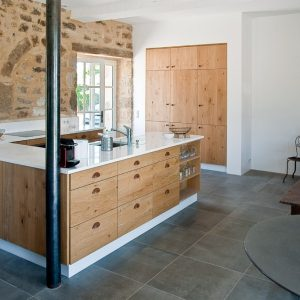 Facade meuble cuisine bois brut cuisine id es de - Facade cuisine chene brut ...