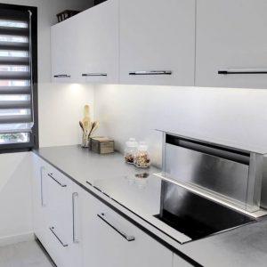 hotte de cuisine inclin e 60 cm cuisine id es de d coration de maison xadnw85blg. Black Bedroom Furniture Sets. Home Design Ideas