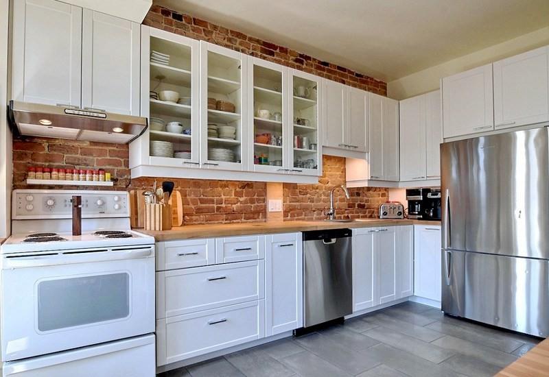 Modele armoire de cuisine blanche cuisine id es de for Modeles cuisines blanches